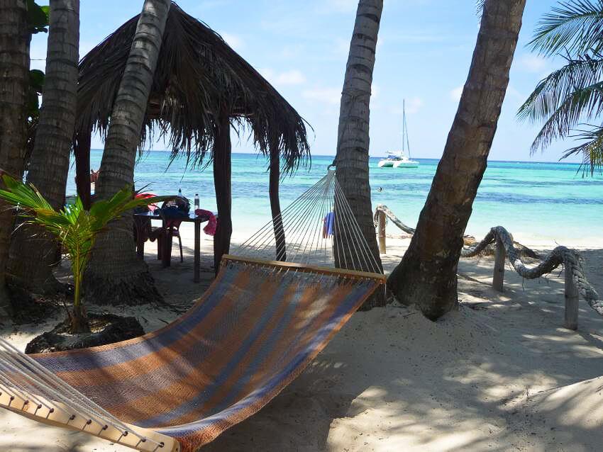 Nicaragua-Little-Corn-beach-bungalow